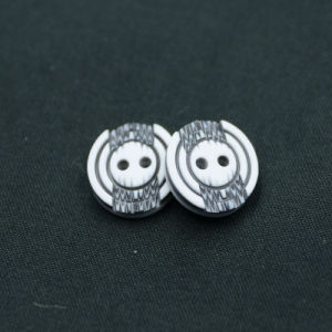 2 Holes New Design Polyester Button (S-026) pictures & photos