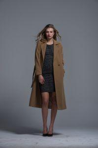 Ladies Long Coat Polyester Nylon Warm Comfortable Autumn Winter Button Fashion pictures & photos