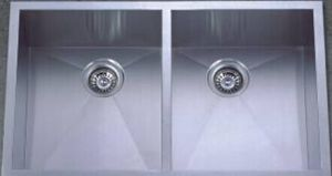 Stainless Steel Handmade Kitchen Sink (KHD2920) pictures & photos