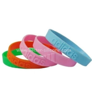 Personalized Custom Silicone Wristbands for Your Event pictures & photos