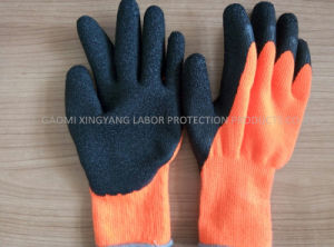 Acrylic Napping Lining Latex Coated Work Gloves pictures & photos