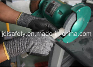 Hppe Knitted Safety Glove with Foam Nitrile Dipping (ND8047) pictures & photos