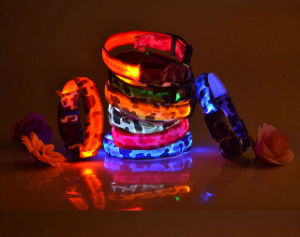 High Quality Camouflage Print LED Dog Collar with Button Cell Battery