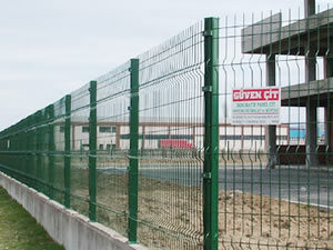 Hot-Dipped Galvanized Wire Mesh Fence pictures & photos