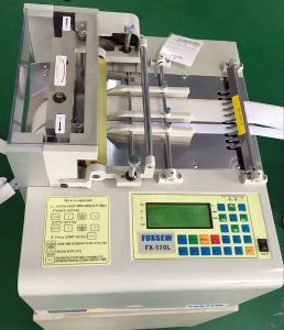 Computer Webbing Cutting Machine for Magic Tape Cutting pictures & photos