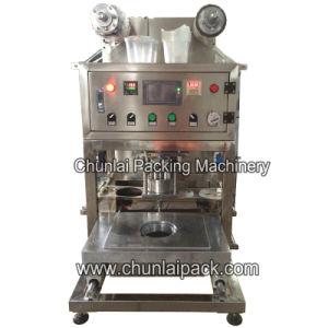 Desktop Pneumatic Tray Sealing Machine pictures & photos