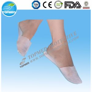 Low Price Hotel SPA Use Disposable Nonwoven PP Slipper pictures & photos