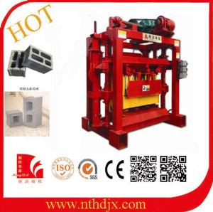 China Made Small Semi-Automatic Block Machine/Brick Machine pictures & photos