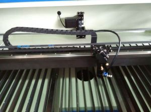 CO2 Laser Cutter for Cutting and Engraving Works on Non-Metal pictures & photos