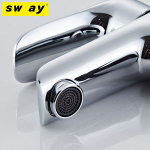 Electroplating and Baking White Paint Faucet (SW-7733) pictures & photos