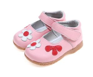 Male/Female Casual Shoes Leather Comfortable Sandals Kids/Children Shoes pictures & photos