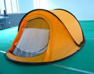 Double -Skin Pop up Tent for Camping pictures & photos