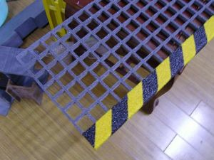 FRP/GRP Fiberglass Stair Tread, Anti-Slip Tread, Walkway, Platform pictures & photos