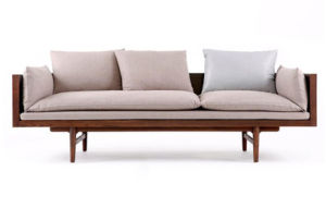 Modern Wooden Sofa Set Designs in Wood Finish for Hotel Meeting Room pictures & photos