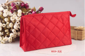 Korean Lingge Makeup Bag Embroidered Handbag Collection Bag Lady Lattice Multifunctional Wash pictures & photos