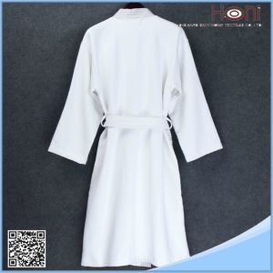 Bulk Hotel China Supplier Bathrobe pictures & photos