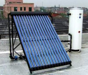 Heat Pipe Pressurzied Solar Water Heater pictures & photos