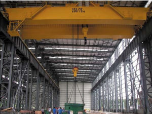250 Ton Overhead Crane with Hook (QD250/50) pictures & photos