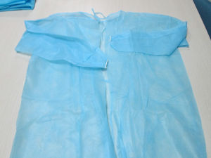 Surgical Safety Disposable Thumbs up Polyethylene Isolation Gown pictures & photos