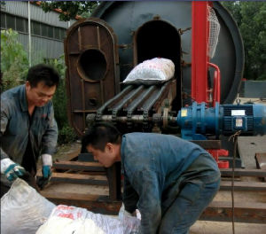 Waste Rubber Reycling to Oil Pyrolysis Plant Environmental Friendly 15ton pictures & photos