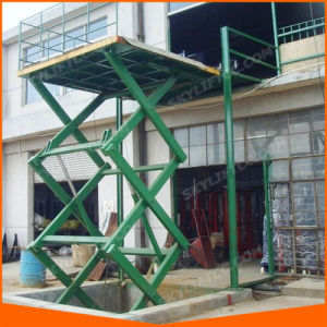 Ce Hydraulic Goods Lift for Warehouse pictures & photos