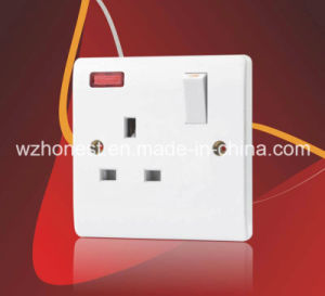 BS Type 1363 13A Wall 1 Gang Unswitched Socket Outlet pictures & photos
