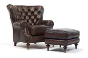 Antique Chesterfield Leather Chair Hotel Furniture with Stool (CB339) pictures & photos