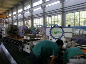 CW Series Larger Manual Lathe with GAP for Heavy Cutting pictures & photos