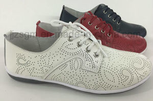 Comfortable Fashion Flat Genuine Brogue Casual Shoes for Women pictures & photos