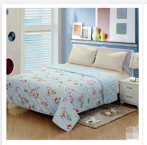2015 Fashio Comfortable High Quality Quilt (T141) pictures & photos