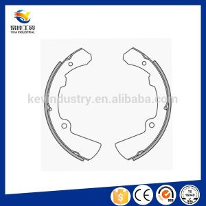 Hot Sale Auto Brake Systems Auto Spare Parts Brake Shoe pictures & photos