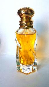 Perfumes for Woman Elegant and Unique Bottle pictures & photos
