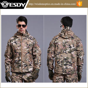 Esdy Tactical Waterproof and Breathable Men Tactical Softshell Jacket pictures & photos