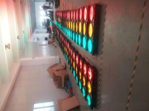 High Intensity Solar Powered Traffic Flash Lamp / LED Yellow Flashing Warning Light pictures & photos