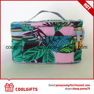 New Customized Big Capacity Cosmetic Bag with Fashion Style pictures & photos