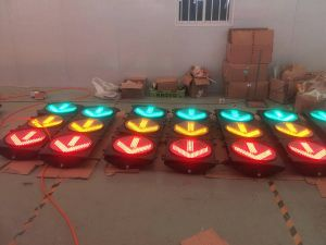 Top Quality Solar-Powered Traffic Light / LED Amber Flashing Light pictures & photos