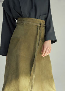 Suede Fabric MIDI Suede Skirt pictures & photos