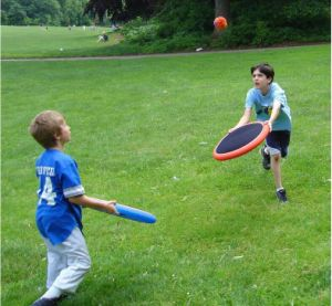 Kids Activity Garden Sports Disk Games Catching and Thorwing Game Set pictures & photos
