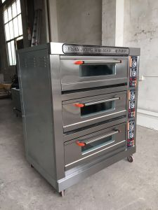 Industrial Bakery Oven/Bread Machine in Hot Selling/Bakery Oven pictures & photos