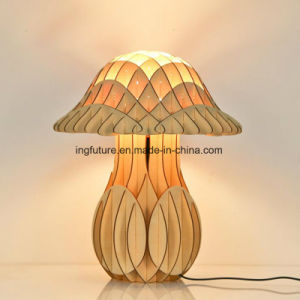 Assembled European Style Wooden Decorative Mushroom Desk Lamp pictures & photos