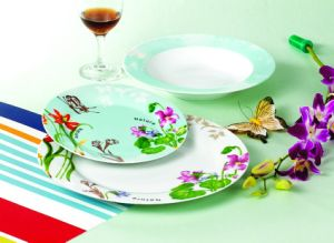 Wholesale 18PCS High Quality Handpainted Flower Ceramic Dinner Set pictures & photos