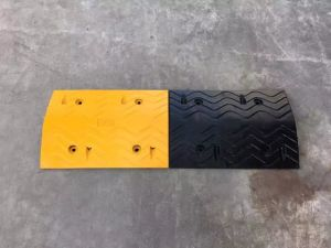 Roadway Safety 100*35*5cm Rubber Speed Bumps (CC-B01) pictures & photos