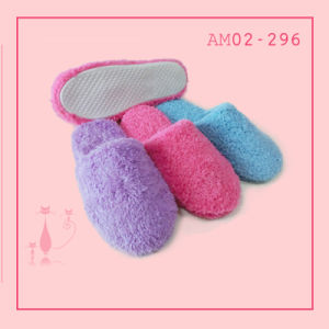Wonmen Plush Home Indoor Soft Bedroom Slipper pictures & photos