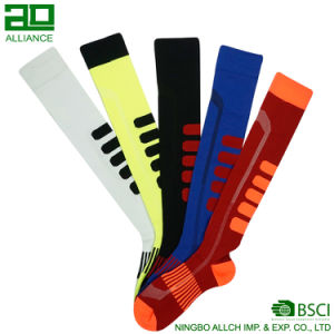 Custom Soccer Socks Men′s Compression Socks pictures & photos