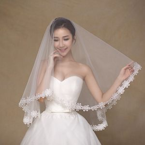 Finger Length Simple Design One Layer Wedding Bridal Veils pictures & photos
