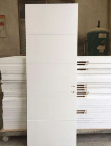 4 Horizontal Groove White Lacquer Flush Interior Wooden Door (wood door) pictures & photos