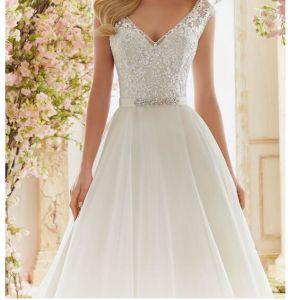 2017 A-Line Lace Broach Bridal Wedding Dresses Ctm836 pictures & photos