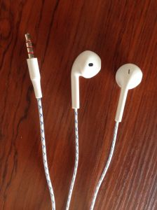 Earphones for iPhone/iPod, with Mic, pictures & photos