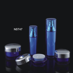 Custom Plastic Bottle and Acrylic Cosmetic Bottle (NST47) pictures & photos