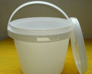 2 Litre Plastic Bucket with Lid